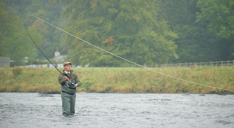 stivali impermeabili marroni da pesca